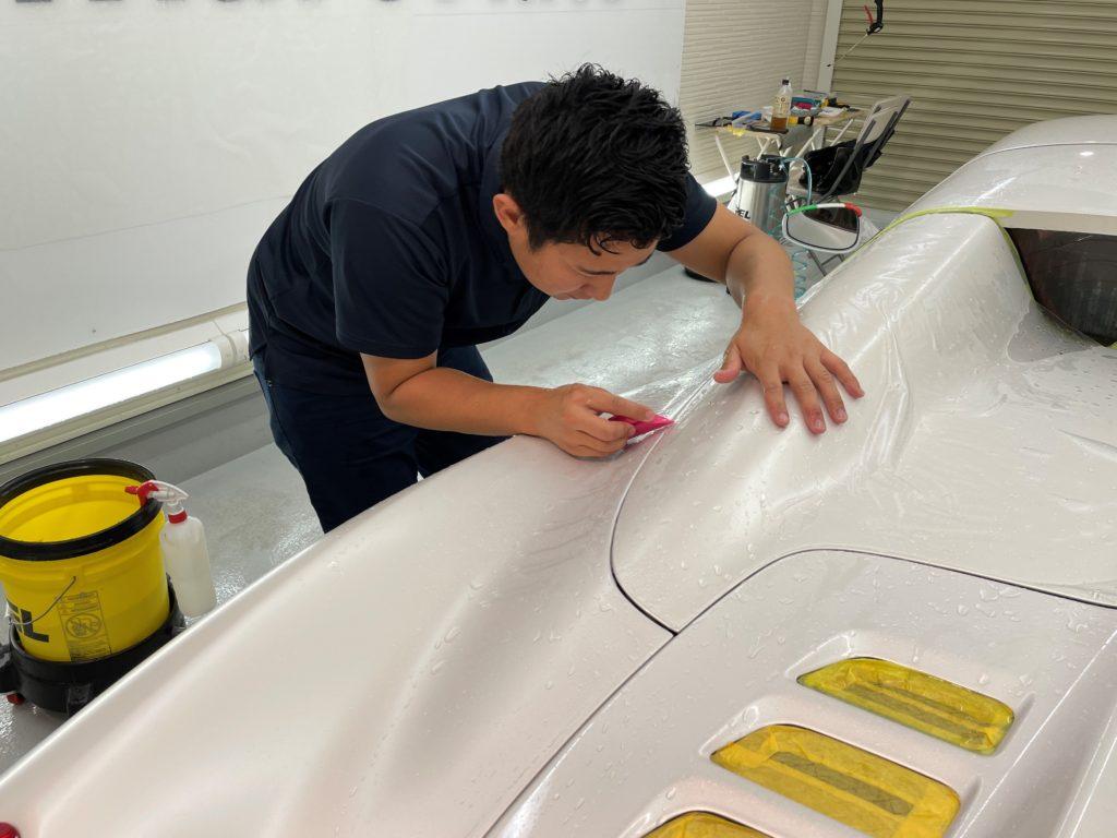 フェラーリ 458 スパイダー の車体全面にプロテクションフィルムの施工しました