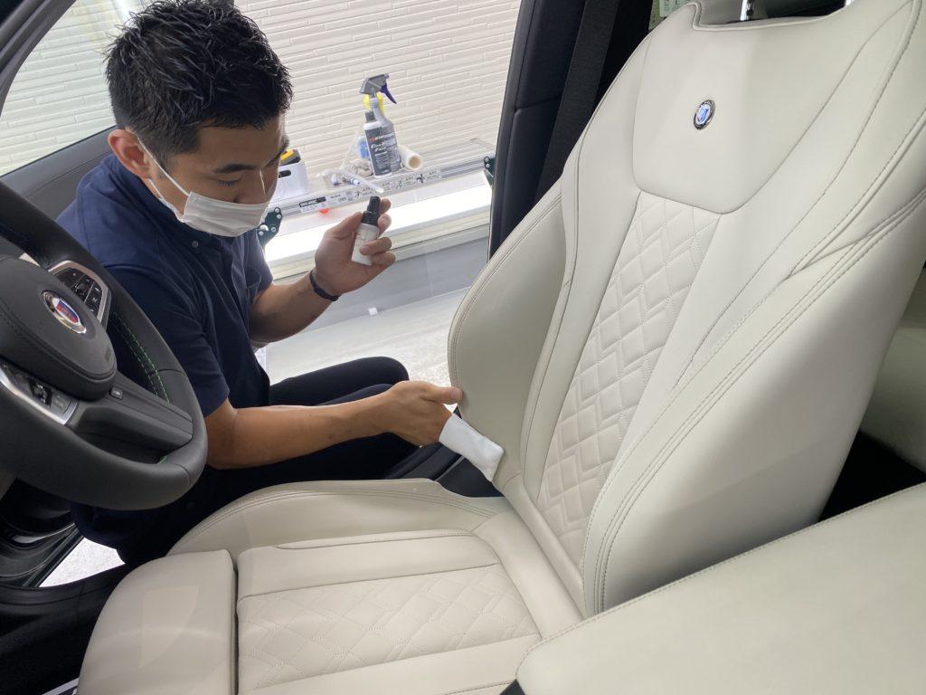 BMW ALPINA D3 S Touring に プロテクションフィルム部分施行・レザーシートCo.を実施しました