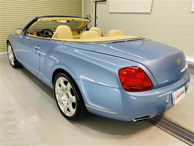 2008年式 ベントレー コンチネンタル GTC をお買取させて頂き、弊社販売車に追加しました。